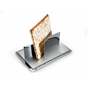 Magnetic Matzah Plate by Laura Cowan